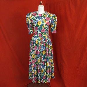 VINTAGE 80s Floral Rose Pleated Midi Dress
